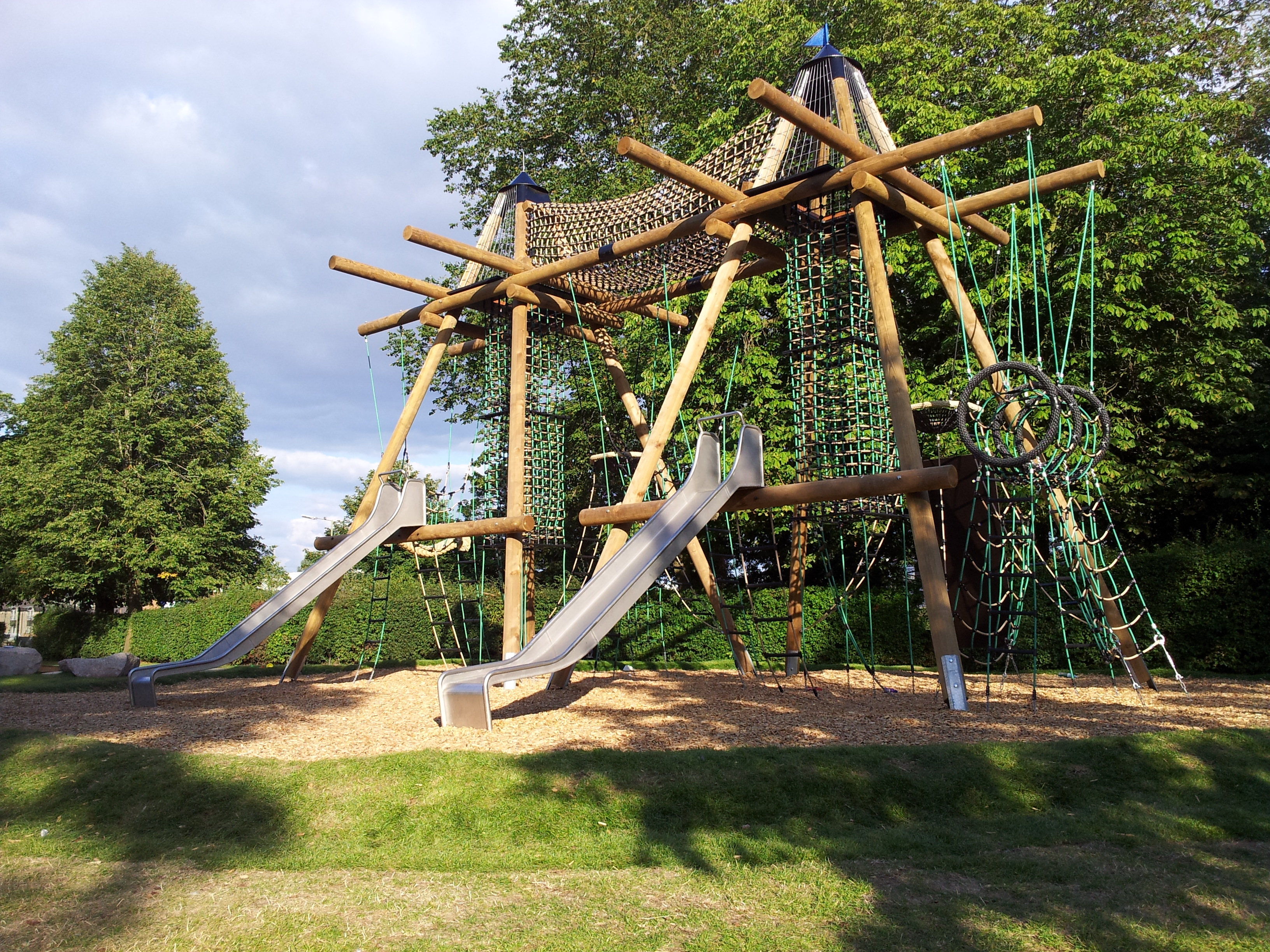 The massive and majestic Witney Towers climbing frame