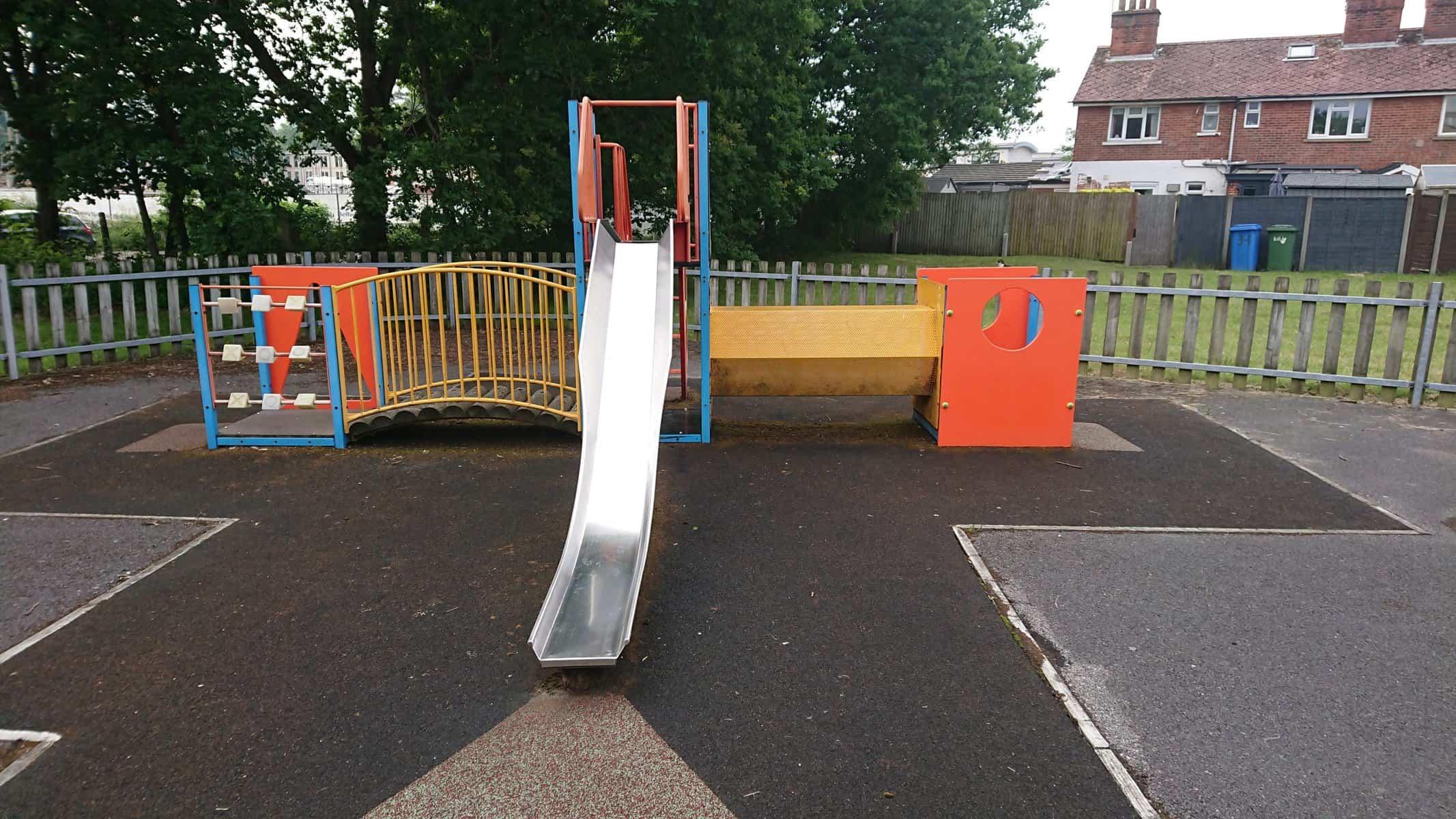 Elles Court Play Park